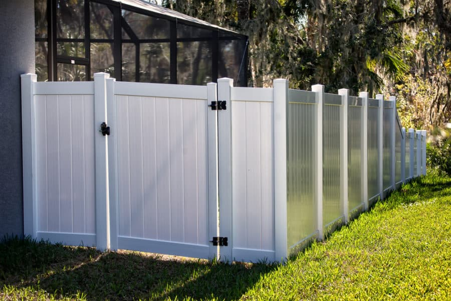 25 Vinyl Fence Ideas And Pictures For Your Yard Garden Or Home