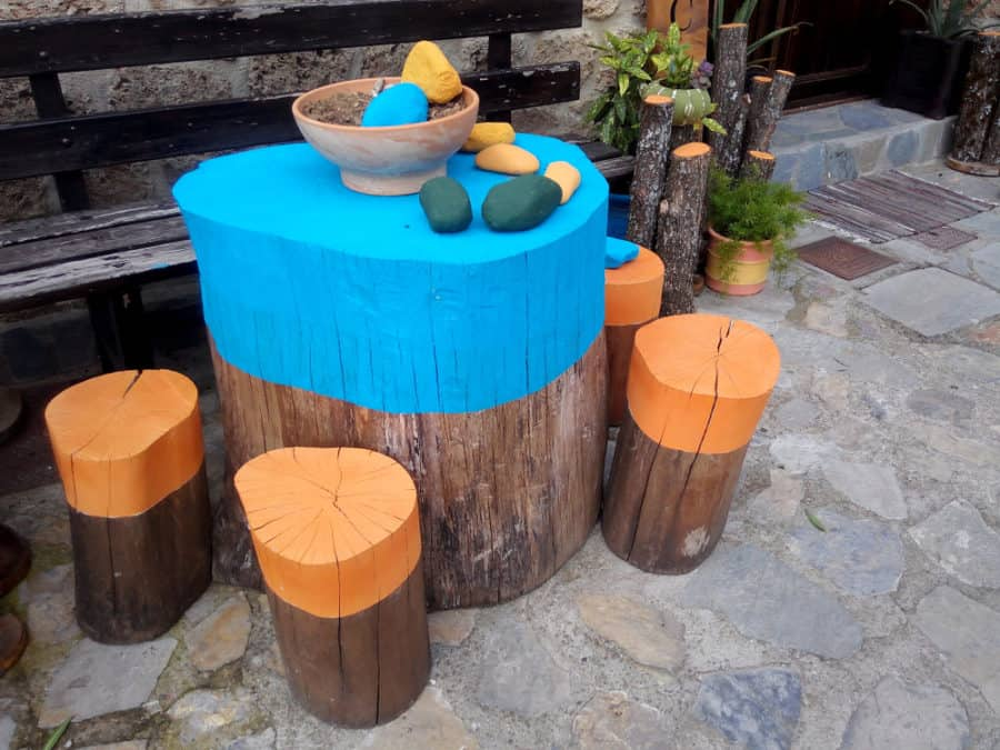 25 Tree Stump Ideas For A Quirky Yard With Pictures 2021 Own The Yard