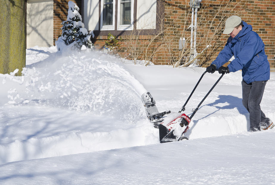 Top 4 Best Cordless Snow Blowers to Have this Winter in 2019