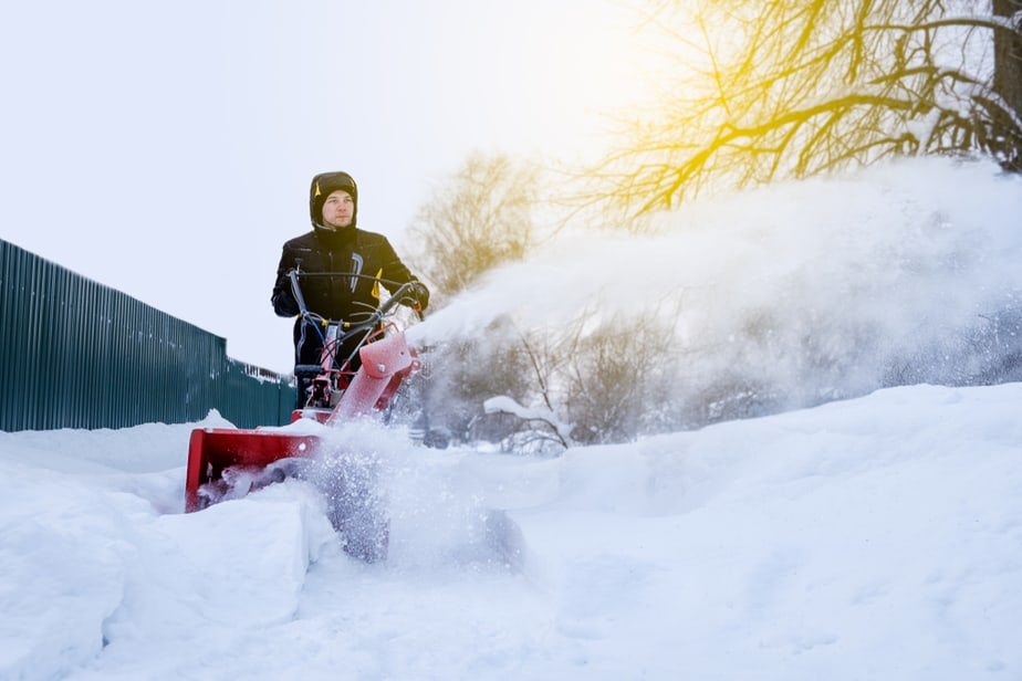 Snow Joe Vs Toro Electric Snow Blowers A Guide For 2020 Own The Yard